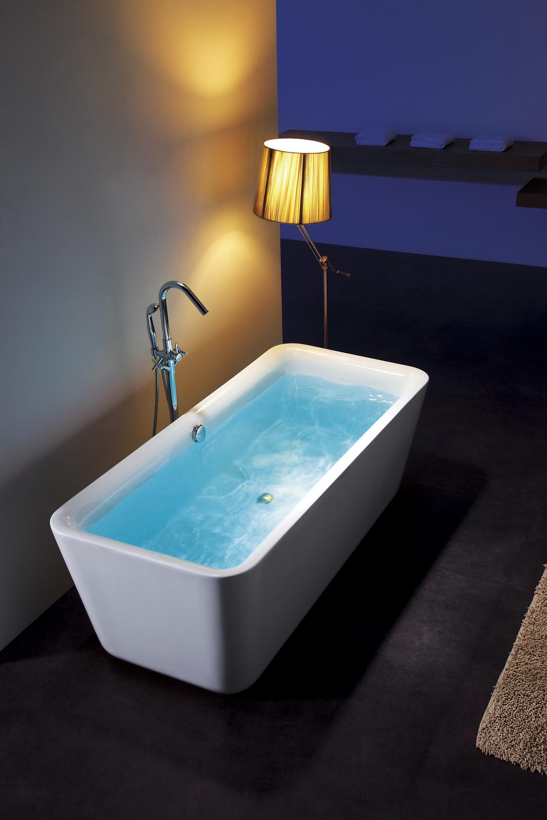 Amattia acrylic freestanding soaking bathtub 69 for Acrylic soaker tub