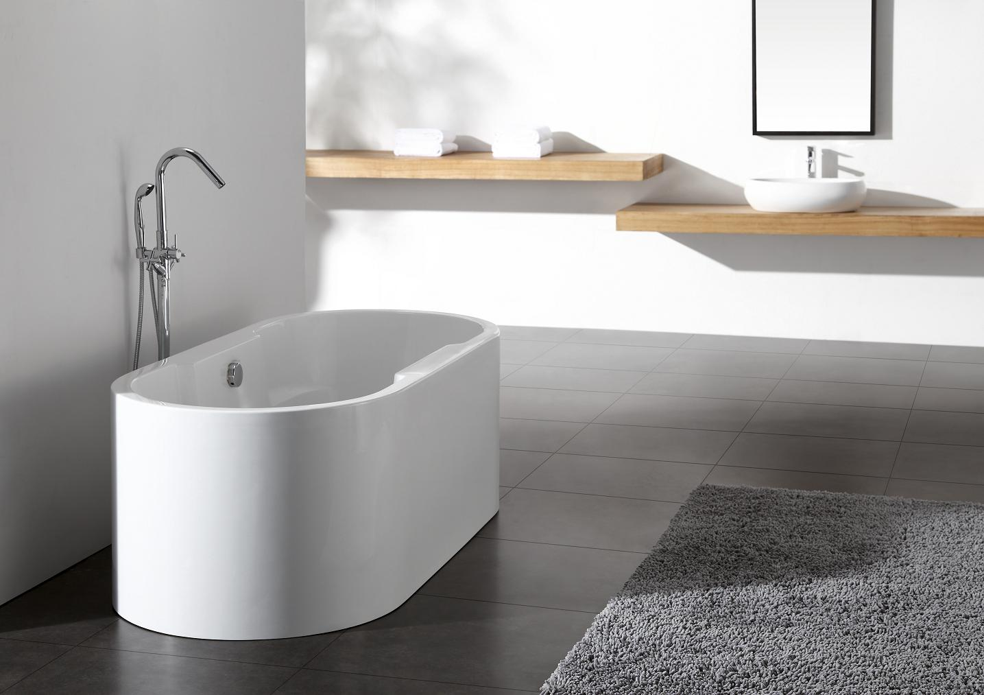 Ignazio acrylic modern freestanding soaking bathtub 68 for How long is a standard bathtub