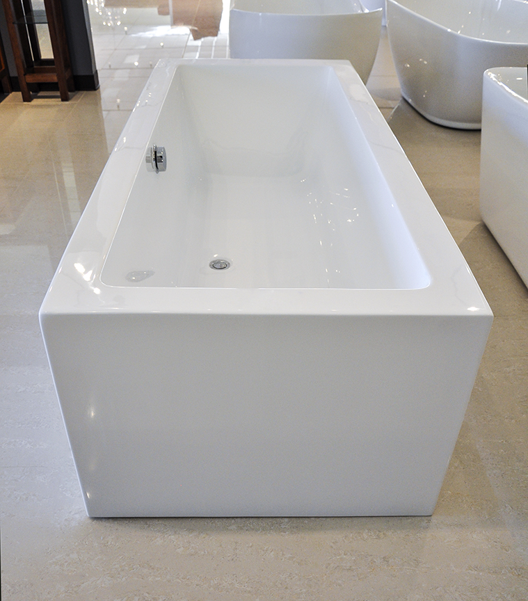 Modern Bathroom With Bathtub Of Italio Iii Acrylic Freestanding Soaking Bathtub 71