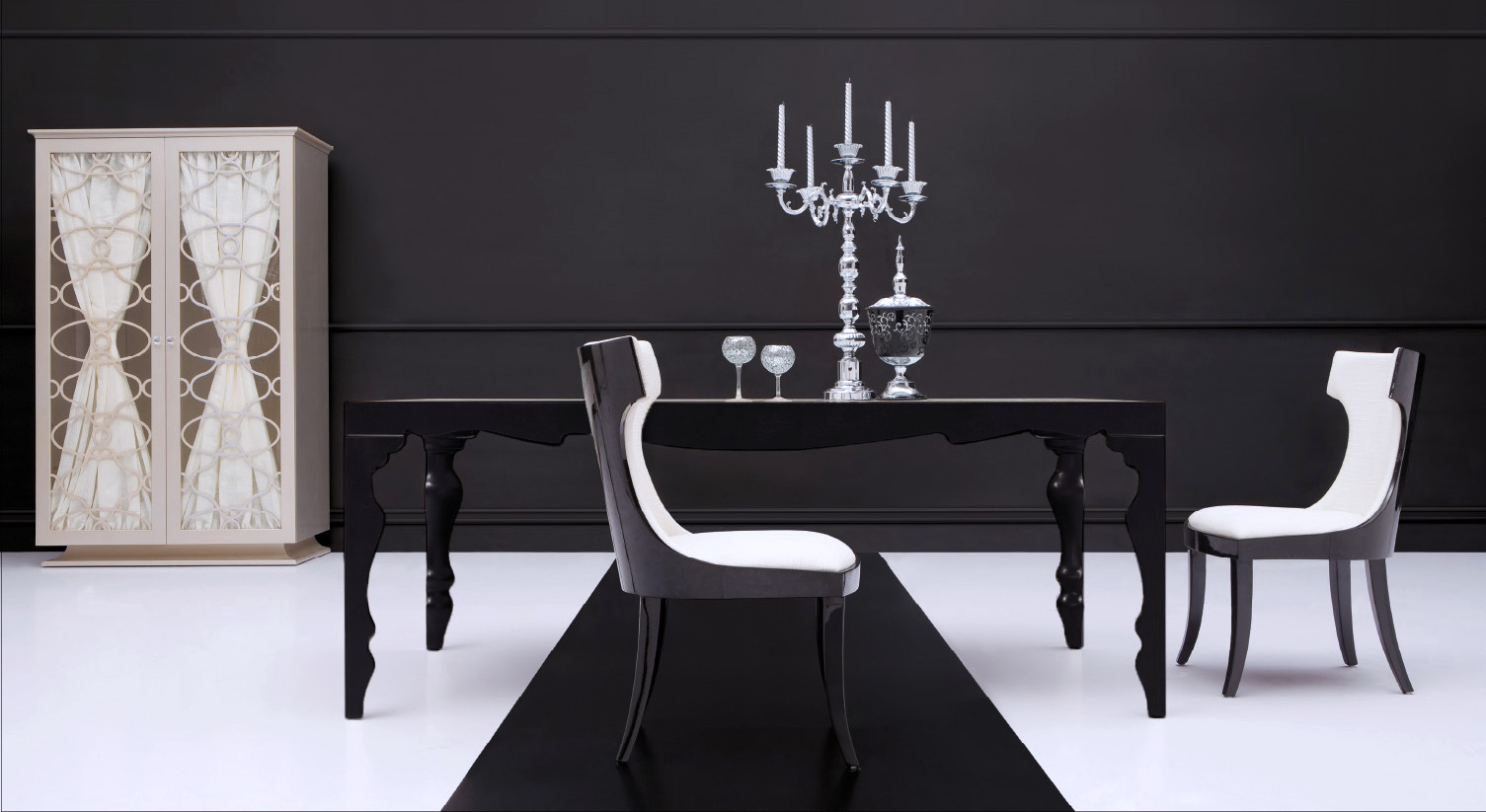 Black dining table contemporary dining table roma for Modern black dining table