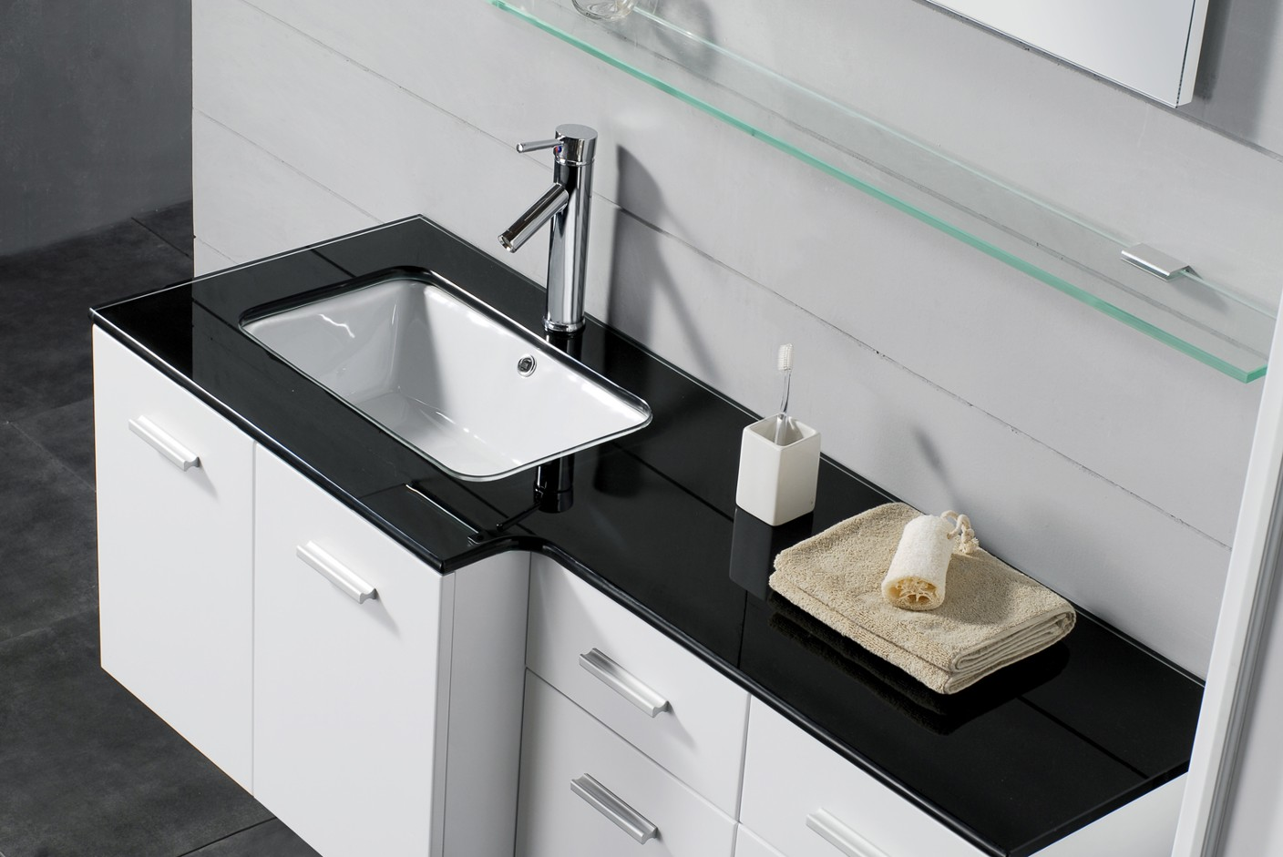 Modern bathroom vanity villa for Modern bathroom sink and vanity