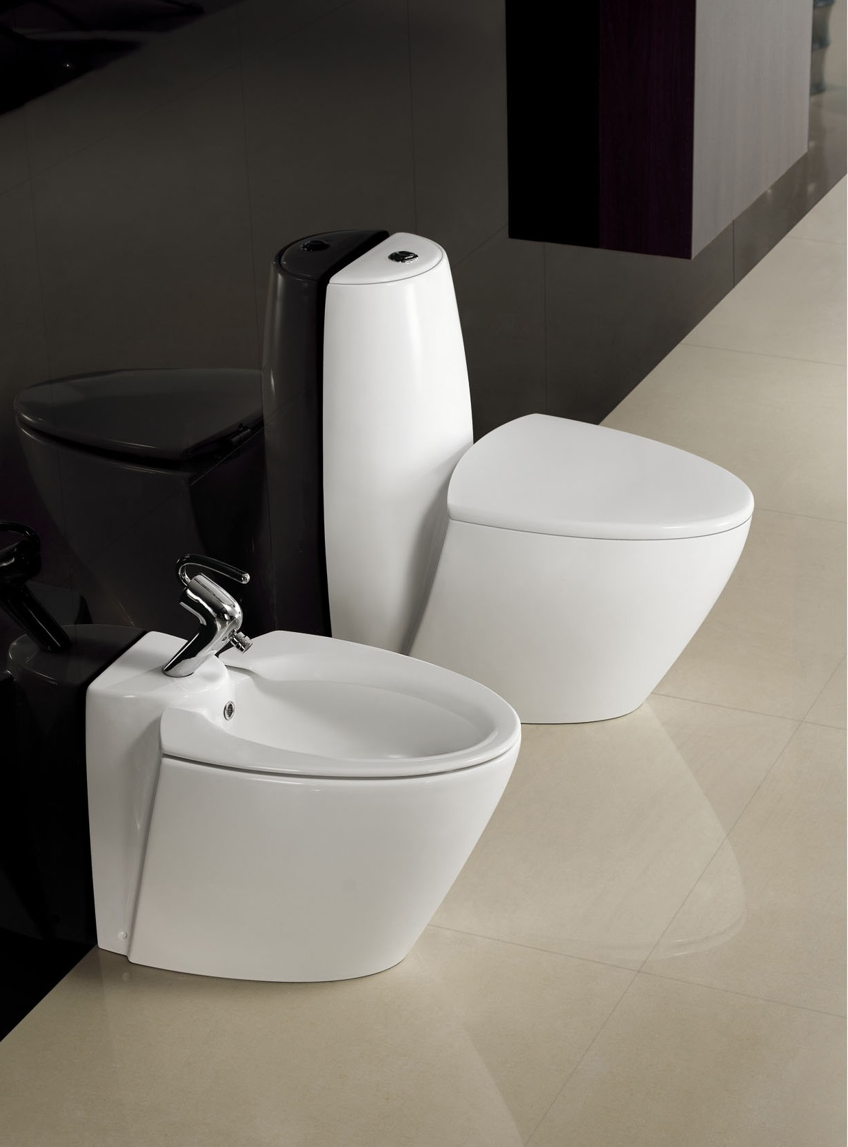 Modern toilet bathroom toilet one piece toilet trapani for Toilet design