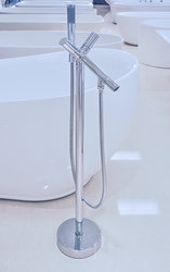 Lanzo Freestanding Tub Faucet Polished Chrome