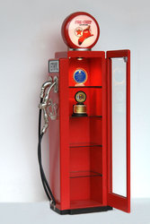 Gas Pump Cabinet Red 7FT