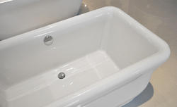 Bellona II - Luxury Acrylic Modern Bathtub 71.7
