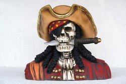 Pirate Skull Head Statue