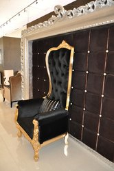 Baroque Throne Chair Queen Chair in Black Velvet and Gold Frame